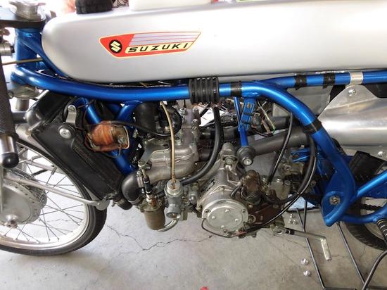 スズキ50cc工場レーサーのエンジン