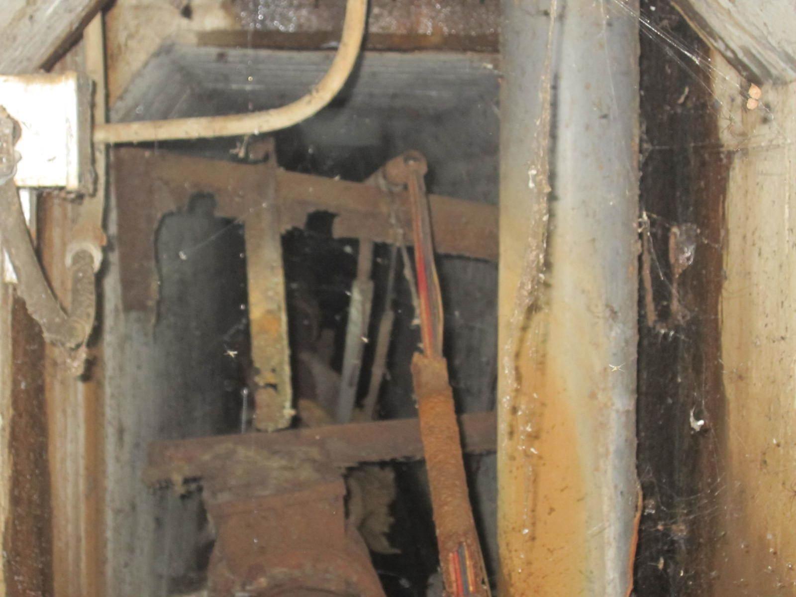 IMG_1264.jpg東工大本館の下にある秘密の地下通路 終点は生協を過ぎて中庭の下辺り