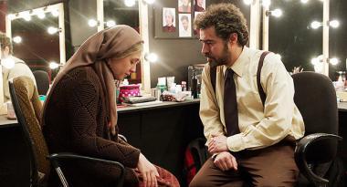 『セールスマン』 劇中劇の『セールスマンの死』での扮装。ふたりが演じるのは演劇内でも夫婦。