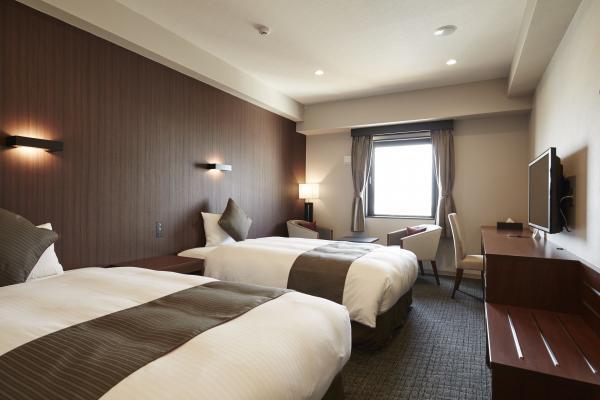 hotelazatroom20170502111745.jpg
