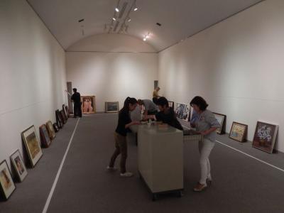 第125回岩内美術協会春季展展示作業