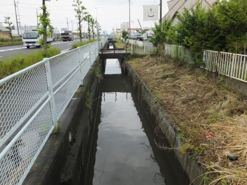 歌川分流排水路