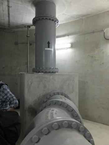恩廻公園調節池BF7階・主排水ポンプ系統の配管