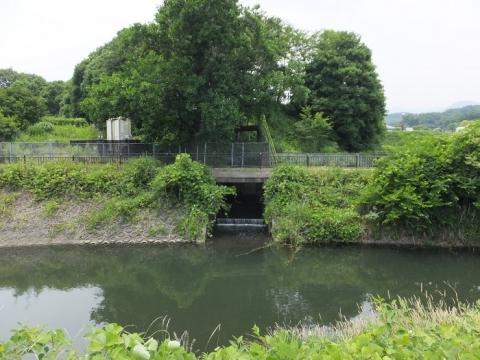 荻野川に河川が合流・厚木市中荻野
