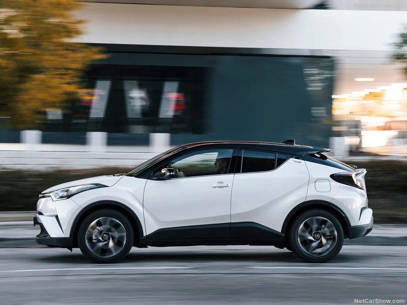 Toyota-C-HR-2017-800-52.jpg