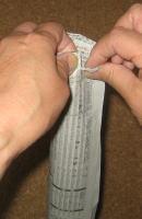 新聞紙のタケノコ 作り方4
