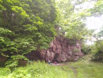 雨の奥立岩