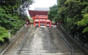 現場近くの神社