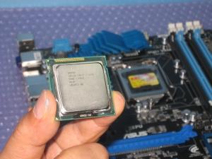 PC壊 Core i7を取り付け