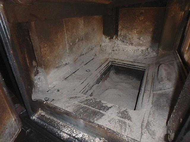 薪ストーブの掃除1