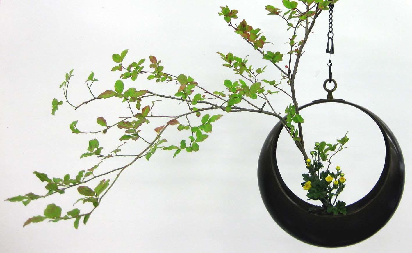zz y 銅製吊り型花器b-2 (満月.三日月)