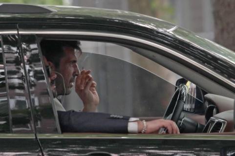 PAY-EXCLUSIVE-Gianluigi-Buffon-smoking-cigarettes-1.jpg