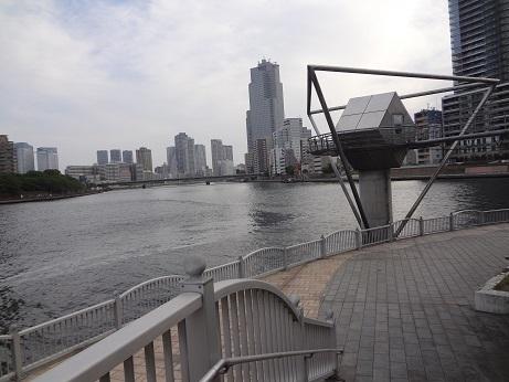 隅田川テラスと水位観測所跡