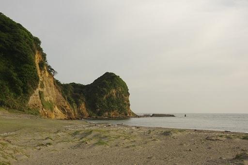 5-10岩と海