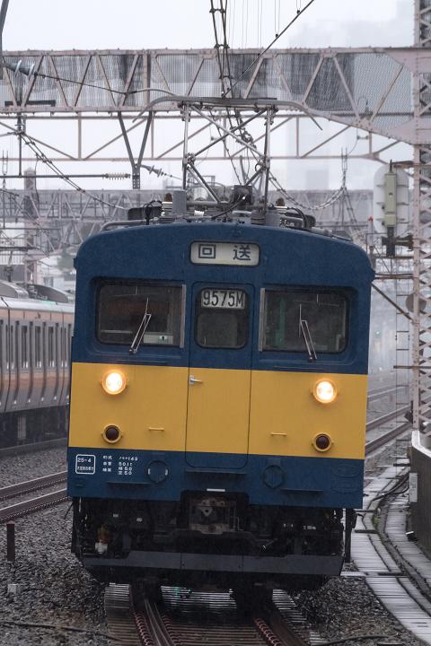 クモヤ143-325s