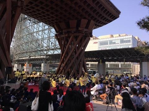 24金沢駅