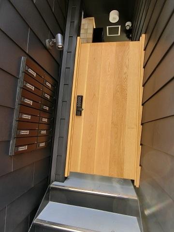 恵比寿オートロックドア郵便箱
