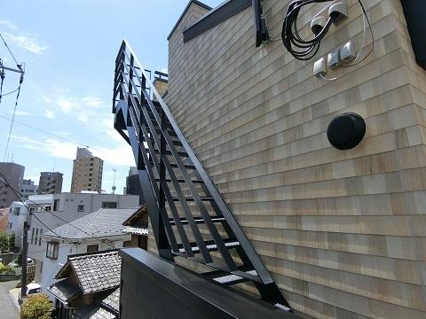 恵比寿屋上への階段