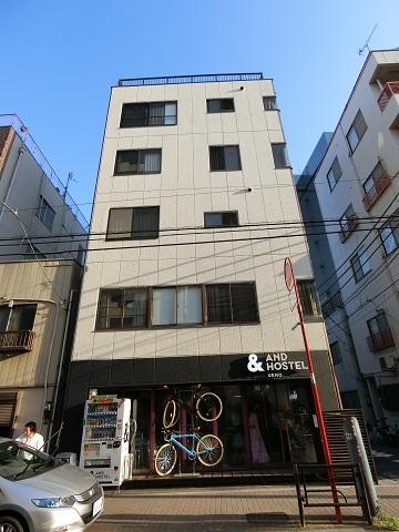 上野ホステル建物正面
