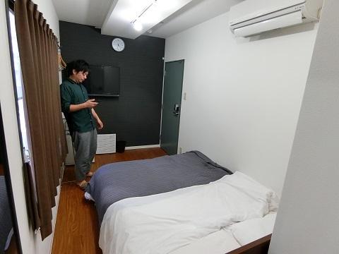 上野ホステル2F個室2反対
