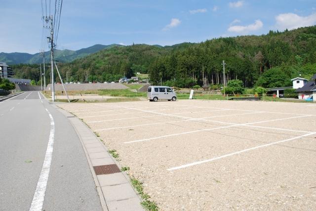 臨時駐車場 (2)