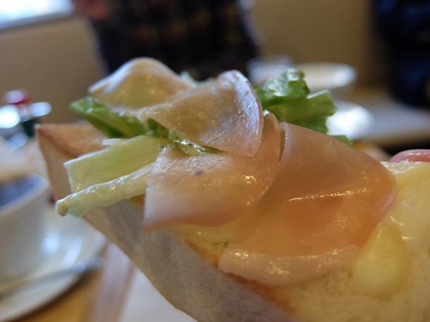チーズトースト・生ハムサラダ添え