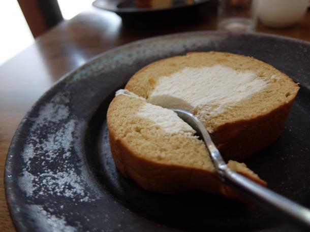 よつば生クリームのロールケーキ