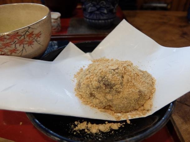 わらびもちと抹茶