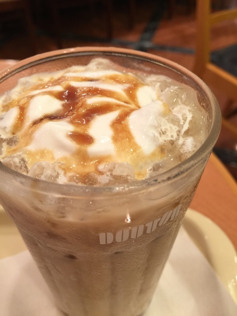 ドトールコーヒーショップ アイス黒糖ラテ ~沖縄県西表島産黒糖使用~
