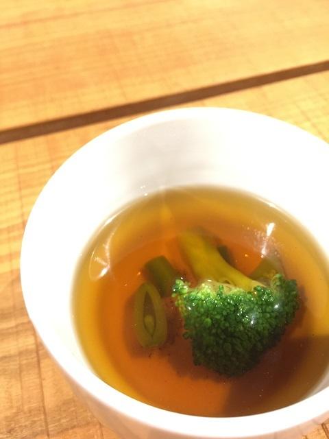 つるおか食文化市場 FOODEVER 肉バル Yaku禄 スープ