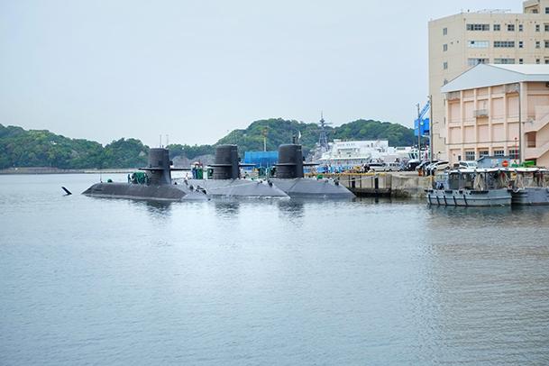 横須賀軍港巡り01