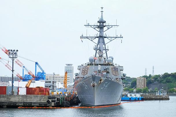 横須賀軍港巡り02