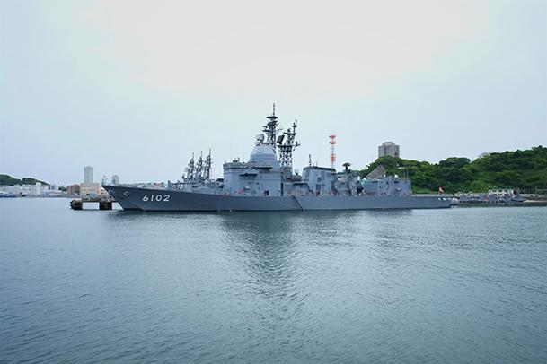 横須賀軍港巡り06