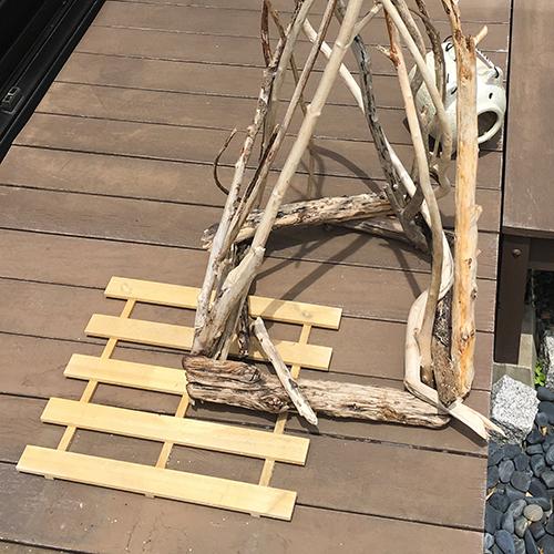 流木で花台の装飾を作ってみました④