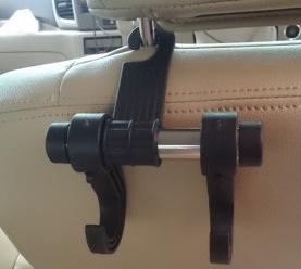 車のシートフック02