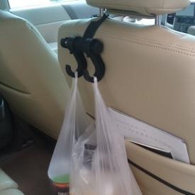 車のシートフック03