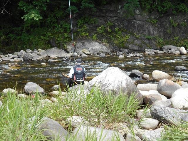0625DSCN2626ゲートボール場上流試し釣りの様子.jpg