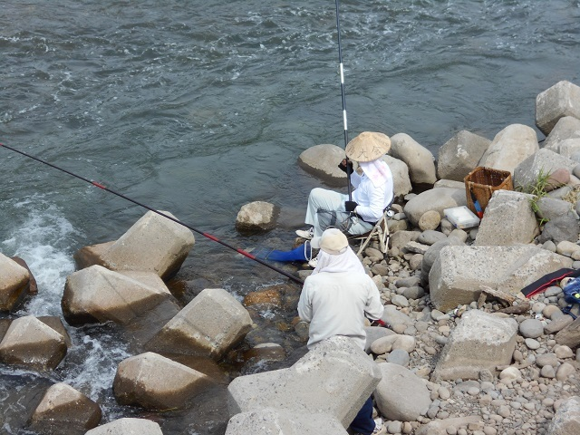 0626DSCN2643アユ毛ばり釣りの様子ー1右岸側.jpg