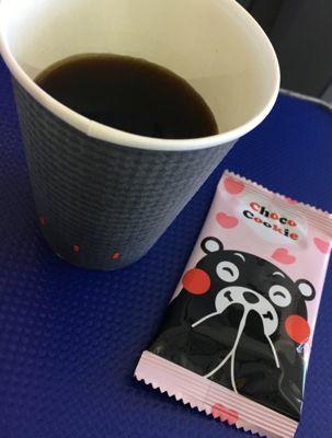 ANA745便 プレミアムクラスの朝食 食後の珈琲とお菓子