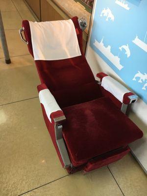 函館市青函連絡船記念館摩周丸 旧グリーン座席に座ってみます