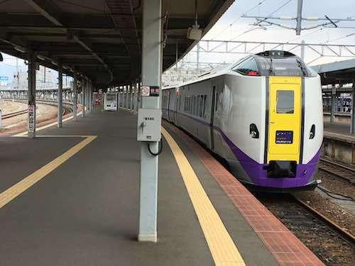 特急スーパー北斗11号 札幌駅行き 入線