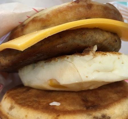 日本マクドナルド 朝マック マックグリドル ソーセージ&エッグ