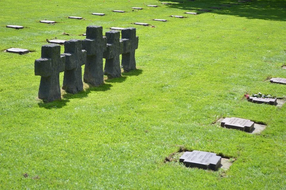 cemetery-1451124_960_720.jpg