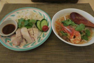 カオマンガイ(鶏飯)&クェッティオ・トムヤム(ヌードル)