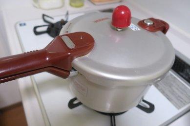 圧力鍋で炊く