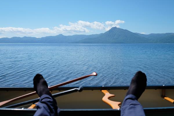新緑の支笏湖の蒼さ10