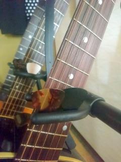 ギタースタンド3本
