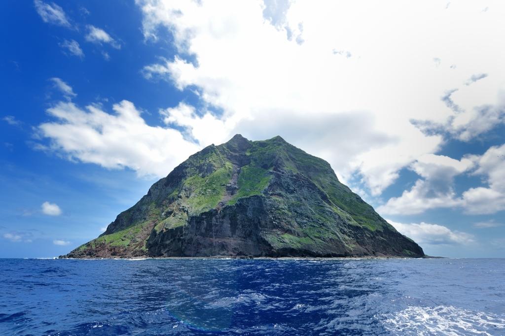 北硫黄島(北側から)