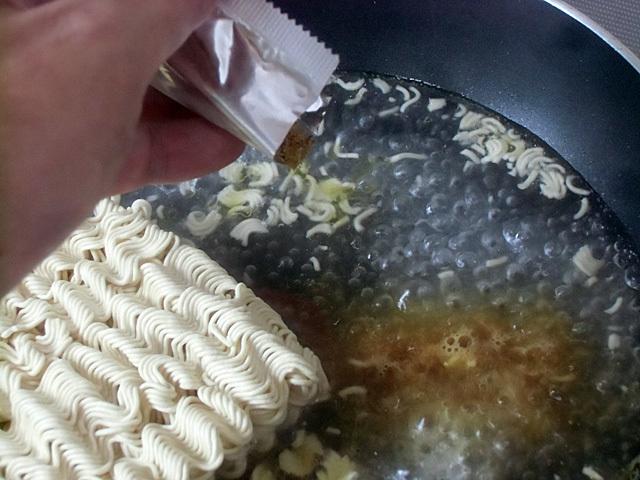 麺とスープ