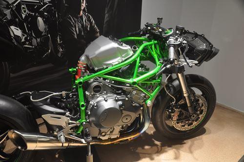 kawasakiworldbike0606002_R.jpg